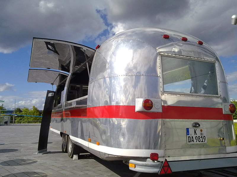 Oldtimer Catering Airstream Gastro-Trailer